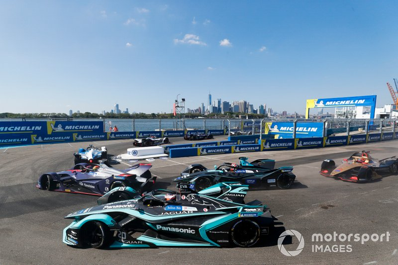 Robin Frijns, Envision Virgin Racing, Audi e-tron FE05, Mitch Evans, Panasonic Jaguar Racing, Jaguar I-Type 3, Gary Paffett, HWA Racelab, VFE-05
