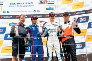 Podium: Race winner Josh Files, Target Competition Hyundai i30 N TCR, second place Luca Filippi, BRC Racing Team Hyundai i30 N TCR, third place Daniel Lloyd, Brutal Fish Racing Team Honda Civic Type R