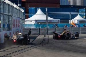 Andre Lotterer, DS TECHEETAH, DS E-Tense FE19 rejoins the track behind Jean-Eric Vergne, DS TECHEETAH, DS E-Tense FE19 after hitting the barrier
