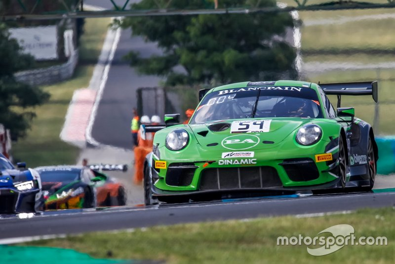 #54 Dinamic Motorsport Porsche 911 GT3 R: Giorgio Roda, Sven Müller