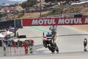 Toprak Razgatlioglu, Turkish Puccetti Racing segue Jonathan Rea, Kawasaki Racing Team, Chaz Davies, Aruba.it Racing-Ducati Team