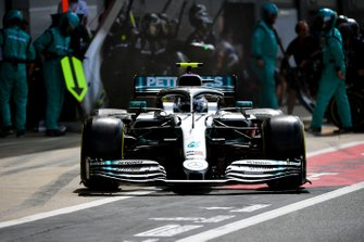 Valtteri Bottas, Mercedes AMG W10, leaves his pit box after a stop