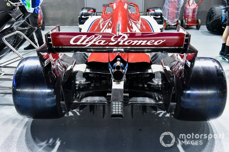 Rear wing and exhaust on Alfa Romeo Racing C38