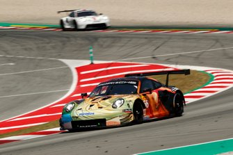 #56 Team Project 1 Porsche 911 RSR: Egidio Perfetti, Jörg Bergmeister, Matteo Cairoli, David Heinemeier Hansson