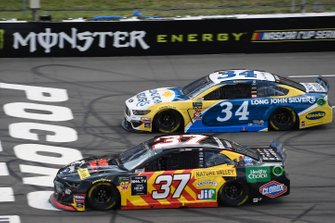 Chris Buescher, JTG Daugherty Racing, Chevrolet Camaro Kroger Fast Start, Michael McDowell, Front Row Motorsports, Ford Mustang Long John Silver's