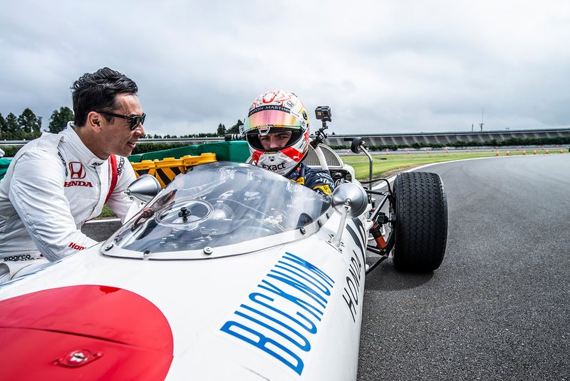 Max Verstappen, Honda RA272 con Takuma Sato