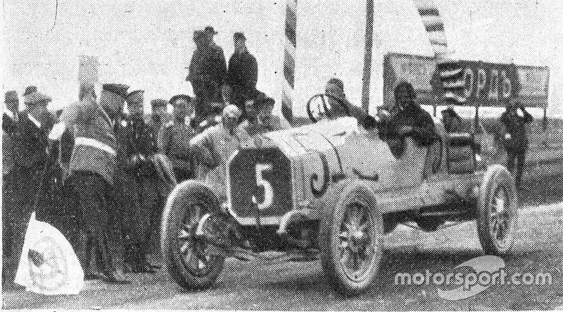 GP da Rússia de 1913 - O vencedor Georgy Suvorin - Carro: Benz 29/60PS 4 cilindros