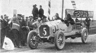 Russian Grand Prix, 1913 - Race Winner Georgy Suvorin - (The arrival of GM Suvorin on Benz 29/60PS 4 cyl - Fotos da revista Niva nº 25 de 1913)