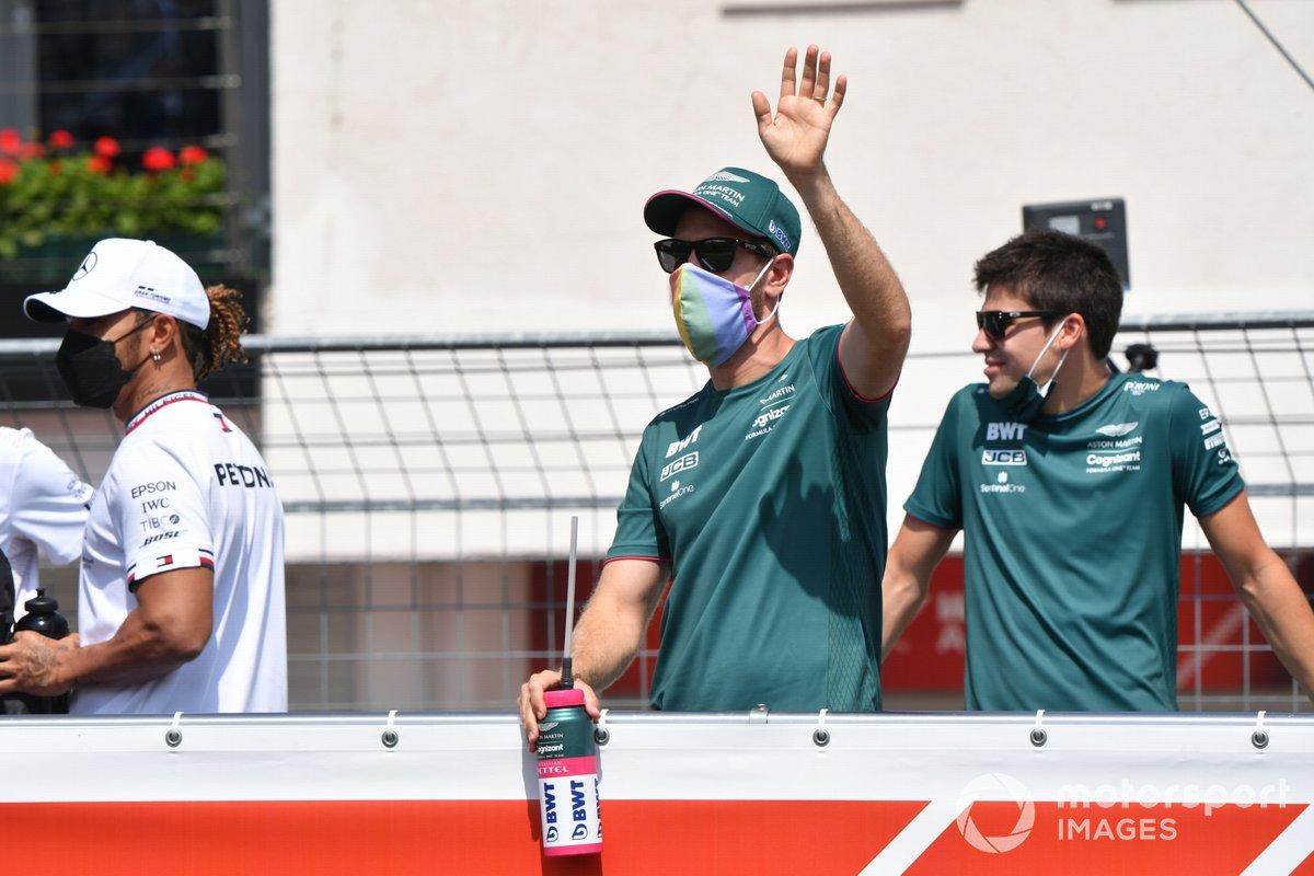 Sebastian Vettel, Aston Martin Lance Stroll, Aston Martin in the drivers' parade