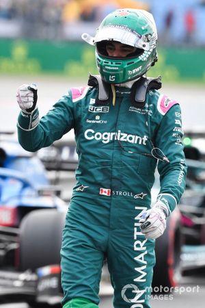 Lance Stroll, Aston Martin, in Parc Ferme na de kwalificatie