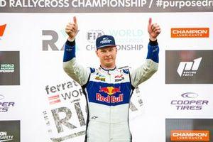 Podium : Le vainqueur Johan Kristoffersson, KYB EKS JC Audi S1