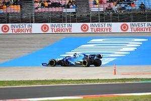 Nicholas Latifi, Williams FW43B, runs wide
