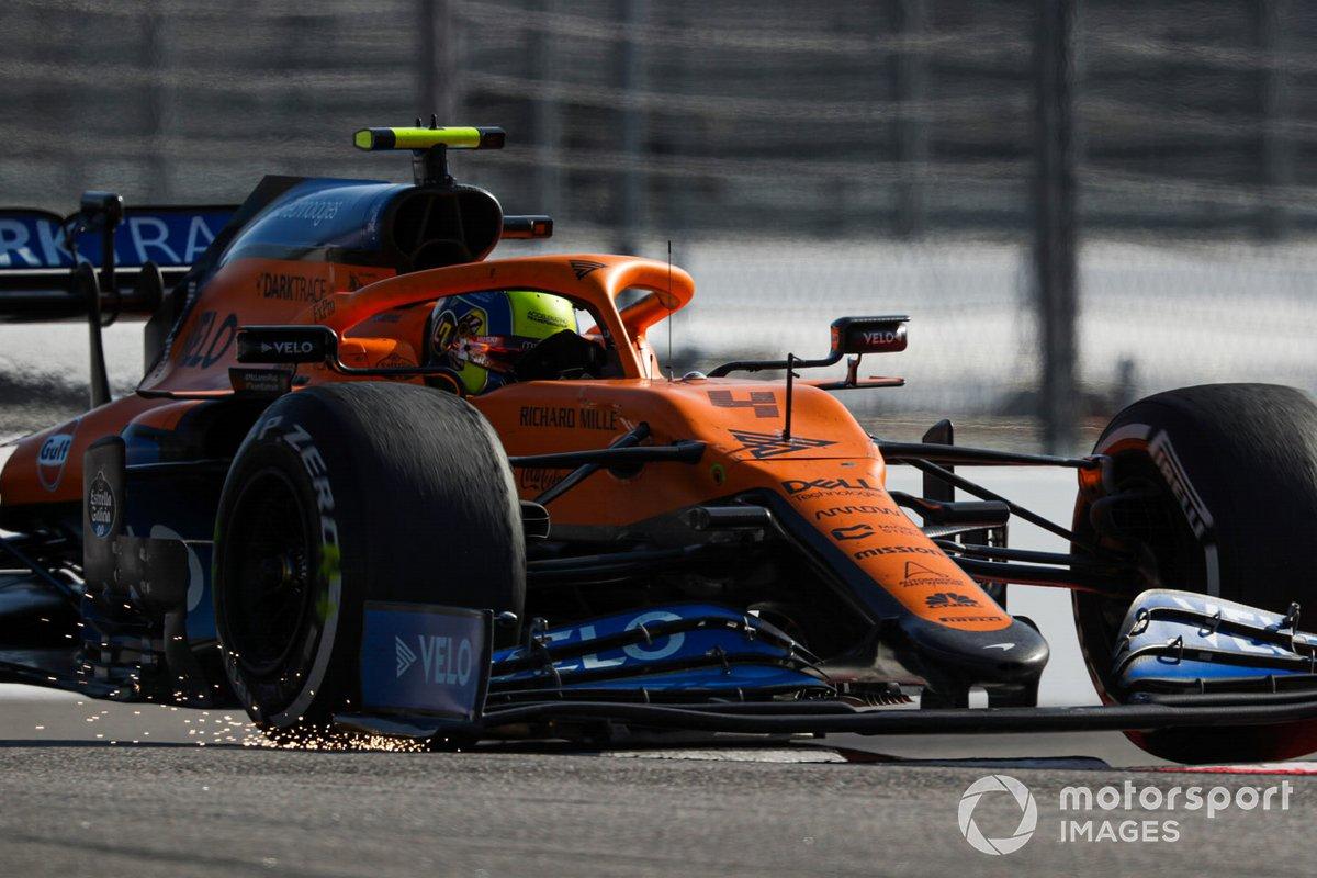 Le scintile sotto l'ala di Lando Norris, McLaren MCL35