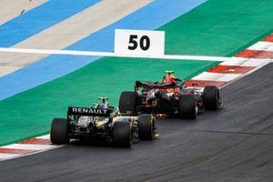 Alex Albon, Red Bull Racing RB16 , Esteban Ocon, Renault F1 Team R.S.20