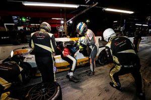 #8 Tower Motorsport by Starworks ORECA LMP2 07, LMP2: John Farano, Mikkel Jensen, Job van Uitert, pit stop