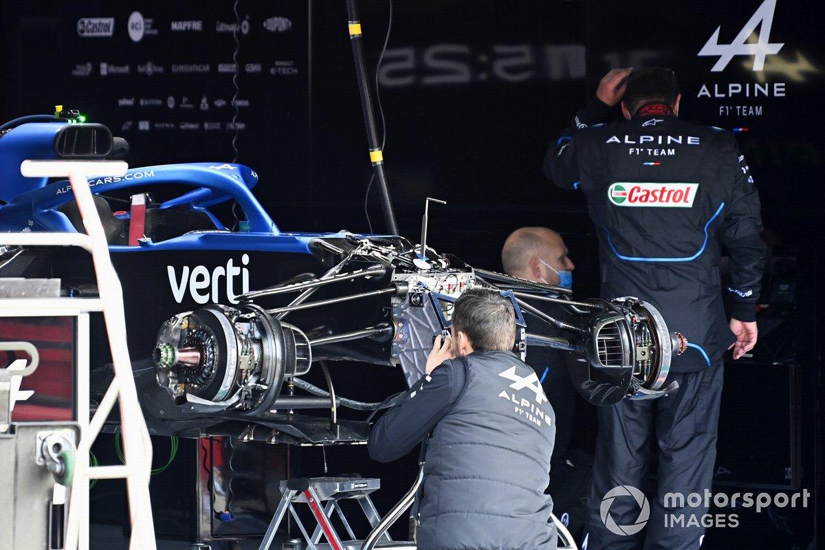 Mecánicos de Alpine F1