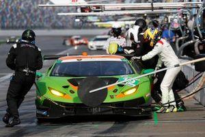 #19: GRT Grasser Racing Team Lamborghini Huracan GT3, GTD: Misha Goikhberg, Franck Perera, Albert Costa, Tim Zimmermann, pit stop