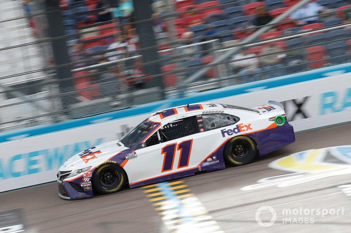 4. Denny Hamlin (Gibbs-Toyota) mit P4 im Rennen