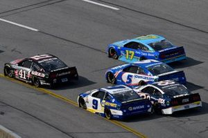 Cole Custer, Stewart-Haas Racing, Ford Mustang HaasTooling.com y Chase Elliott, Hendrick Motorsports, Chevrolet Camaro NAPA Auto Parts