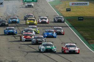 Start action, Rene Rast, Audi Sport Team Rosberg, Audi RS 5 DTM leads Nico Muller, Audi Sport Team Abt Sportsline, Audi RS 5 DTM