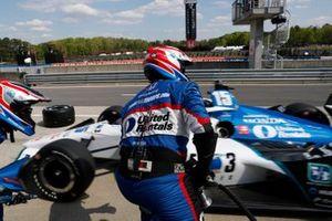 Graham Rahal, Rahal Letterman Lanigan Racing Honda, lors d'un arrêt aux stands
