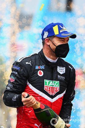 Andre Lotterer, Porsche, 3rd position, sprays Champagne