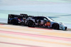 #77 Dempsey-Proton Racing Porsche 911 RSR: Christian Reid, Riccardo Pera, Dennis Olsen