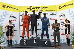 Race winner Vishnu Prasad, MSport, second place Raghul Rangasamy, MSport, third place Rohit Khanna, Dark Don Racing.