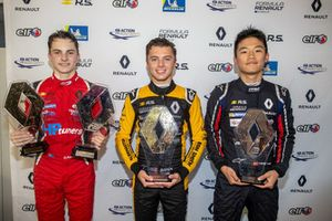 Podium: Race winner Max Fewtrell, R-Ace GP, second place Oscar Piastri, Arden, Yifei Ye, Josef Kaufmann Racing
