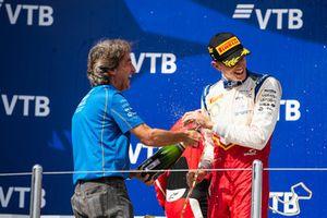 Podium: race winner Leonardo Pulcini, Campos Racing, Adrian Campos