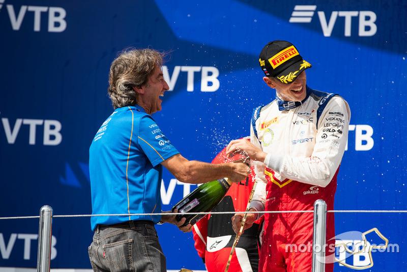 Podio: ganador de la carrera Leonardo Pulcini, Campos Racing, Adrian Campos