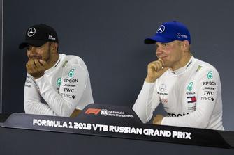 Lewis Hamilton, Mercedes AMG F1 and Valtteri Bottas, Mercedes AMG F1 in press conference