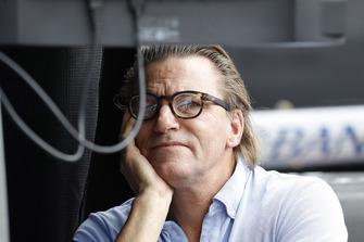 Scott Dixon, Chip Ganassi Racing Honda manager Stefan Johansson