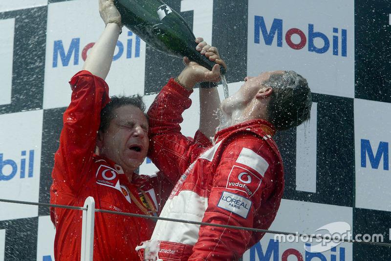 Podyum: Yarış galibi Michael Schumacher, Ferrari ve Jean Todt, Ferrari