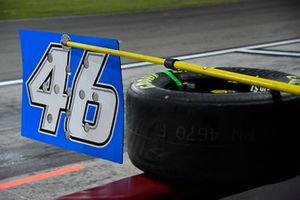Riley Herbst, Kyle Busch Motorsports, Toyota Tundra Advance Auto Parts pit board