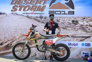 Asbak Mon, Angata racing