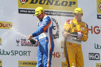 Sam Tordoff, Motorbase Performance Ford Focus and Tom Chilton, Motorbase Performance Ford Focus
