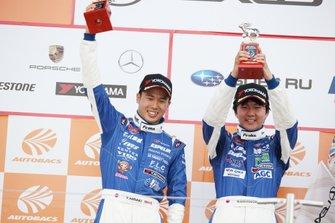 GT300 podium: second place #5 Advics Mach Syaken Toyota MC86: Natsu Sakaguchi, Yuya Hiraki