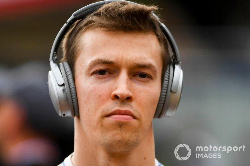 Daniil Kvyat poderia assumir a vaga de Gasly, mas a Red Bull parece esperar para ver se o russo é capaz de manter grande forma na Toro Rosso.