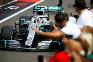 Race winner Lewis Hamilton, Mercedes AMG F1 W10