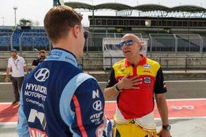 Tom Coronel, Comtoyou DHL Team CUPRA Racing CUPRA TCR, Nicky Catsburg, BRC Hyundai N LUKOIL Racing Team Hyundai i30 N TCR