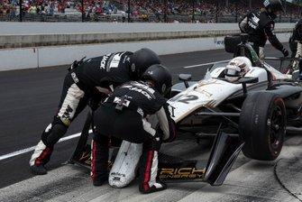 Jordan King, Rahal Letterman Lanigan Racing Honda, team replaces nose after pit accident