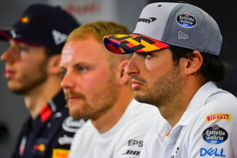Carlos Sainz Jr., McLaren, Valtteri Bottas, Mercedes AMG F1 and Pierre Gasly, Red Bull Racing in Press Conference