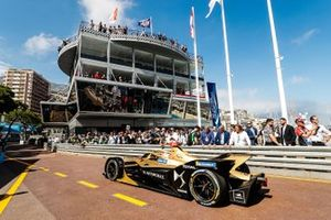 Jean-Eric Vergne, DS TECHEETAH, DS E-Tense FE19 in the pit lane