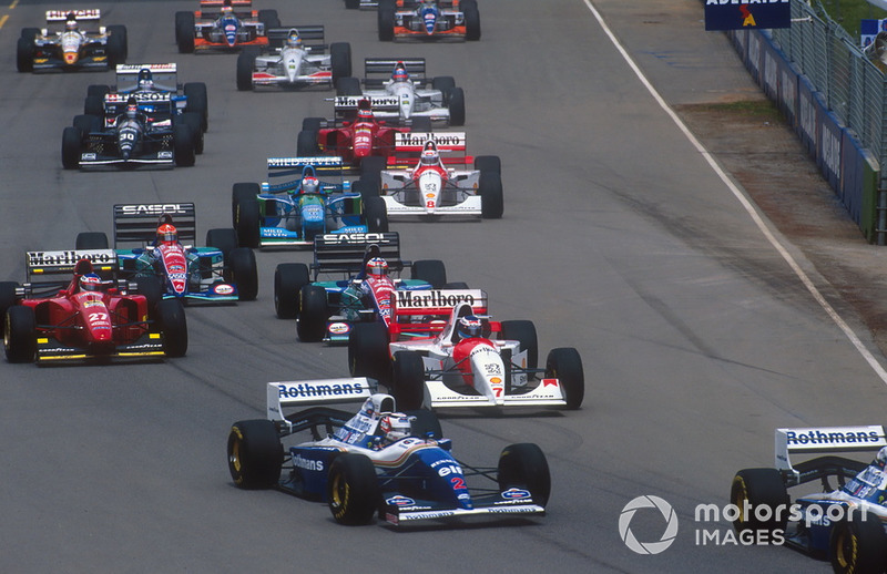 Nigel Mansell ve Damon Hill, Williams FW16B ve Mika Hakkinen, McLaren MP4/9, Gerhard Berger, Ferrari 412T1B, Rubens Barrichello, Eddie Irvine, Jordan 194 ve Johnny Herbert, Benetton B194 ve Martin Brundle, McLaren MP4/9