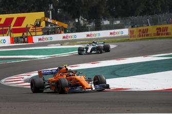 Stoffel Vandoorne, McLaren MCL33 and Valtteri Bottas, Mercedes AMG F1 W09 EQ Power+