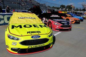 Ryan Blaney, Team Penske, Ford Fusion Menards/Moen, Brad Keselowski, Team Penske, Ford Fusion Thomas Built Buses