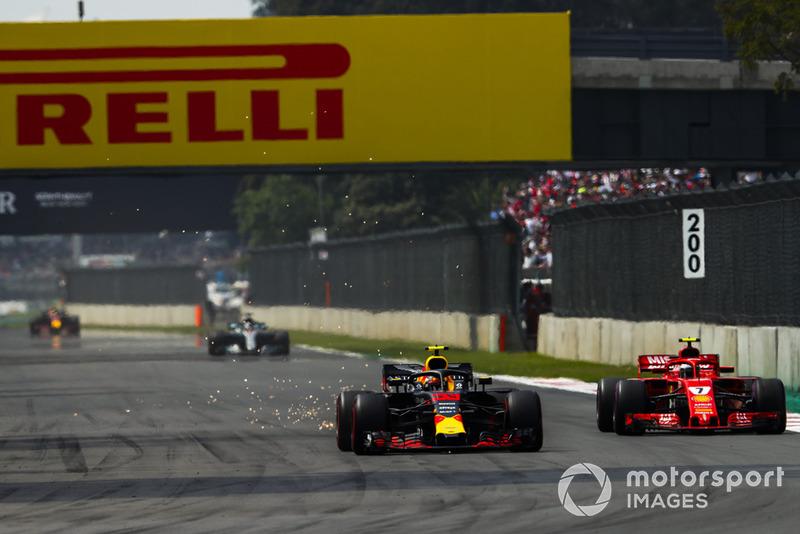 Макс Ферстаппен (Red Bull RB14) випереджає Кімі Райкконена (Ferrari SF71H)