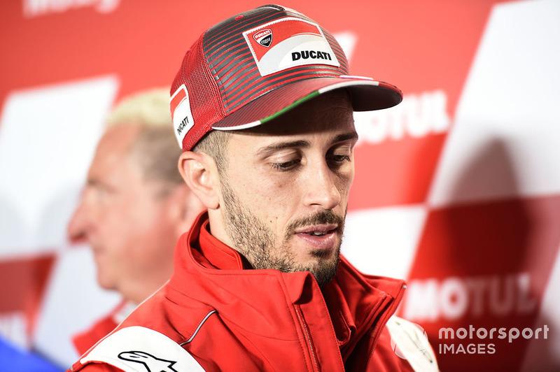 """""""Agora tenho que me concentrar em terminar em segundo porque Valentino está sempre presente. Rossi fez um ano estranho, mas quando não tinha moto, não arriscou o que não devia, e é por isso que o tenho tão perto"""""""