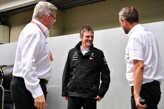 Ross Brawn, directeur de la compétition du Formula One Group et James Allison, directeur technique Mercedes AMG F1